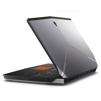 Dell Alienware 15 gamer notebook ezüst